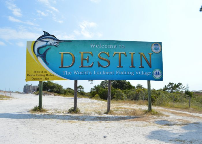destin-fishing-rodeo-welcome-to-destin-sign-worlds-luckiest-fishing-village-4