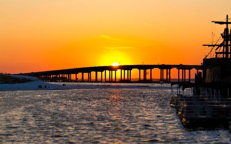 watching sunset in destin harbor